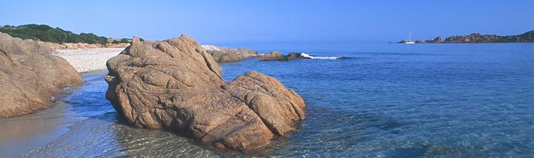 Badesi comune nella provincia di olbia tempio dove una for Isola che da il nome a un golfo della sardegna